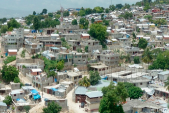 """Katie nou pi bèl"": Mid-term evaluation of a participatory urban development plan (Haiti)"